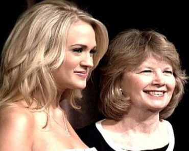 Carrie Underwood and her mama
