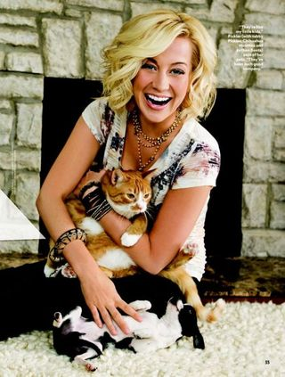 Kellie Pickler and cats