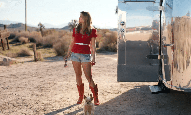 Miranda Lambert in Little Red Wagon video