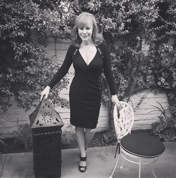Reba McEntire in black and white
