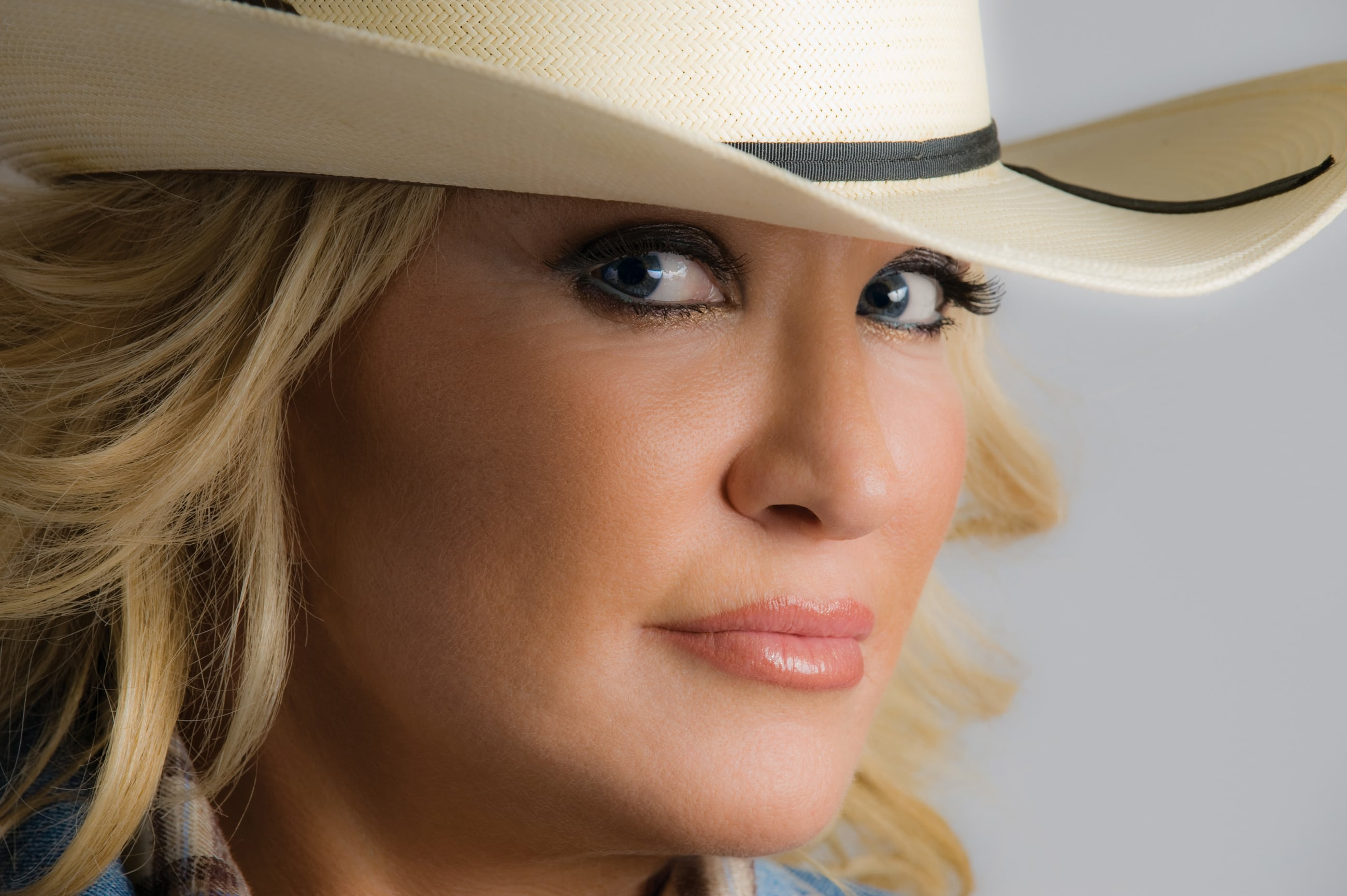 Now here's some great news for fans … the one and only Tanya ...: nashvillegab.com/2015/03/tanya-tucker-to-release-new-music-head-out...