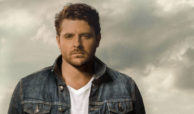christmas just came early for fans of chris young as the golden voiced crooner took to social media this afternoon to announce some big news