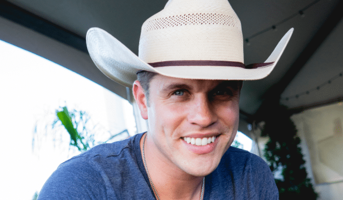 Dustin-Lynch-NG2
