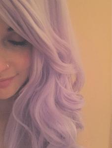 Kacey Musgraves puprple hair