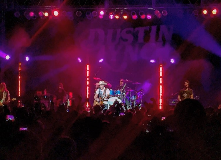 Dustin Lynch on stage at the 2015 Fulton County Fair