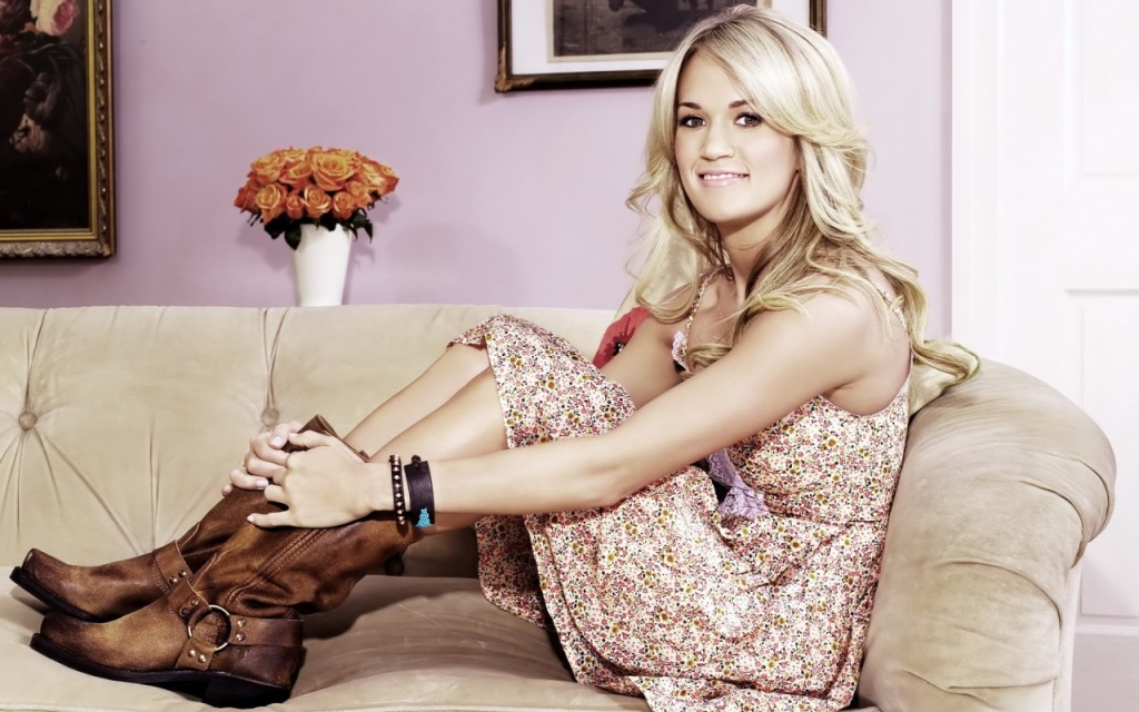 Carrie Underwood in boots