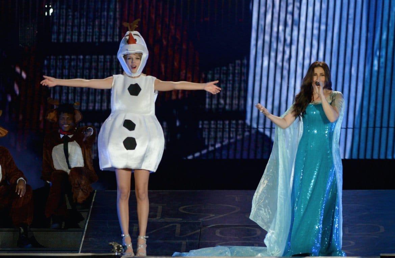Taylor Swift as Olaf