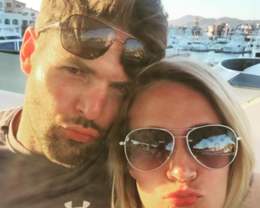 Carrie Underwood and Mike Fisher duck faces